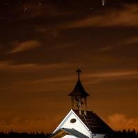 Werner Schad - Astrofotografie - Neowise über Kapelle